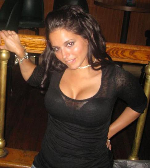 Super Hot chick Melinda
